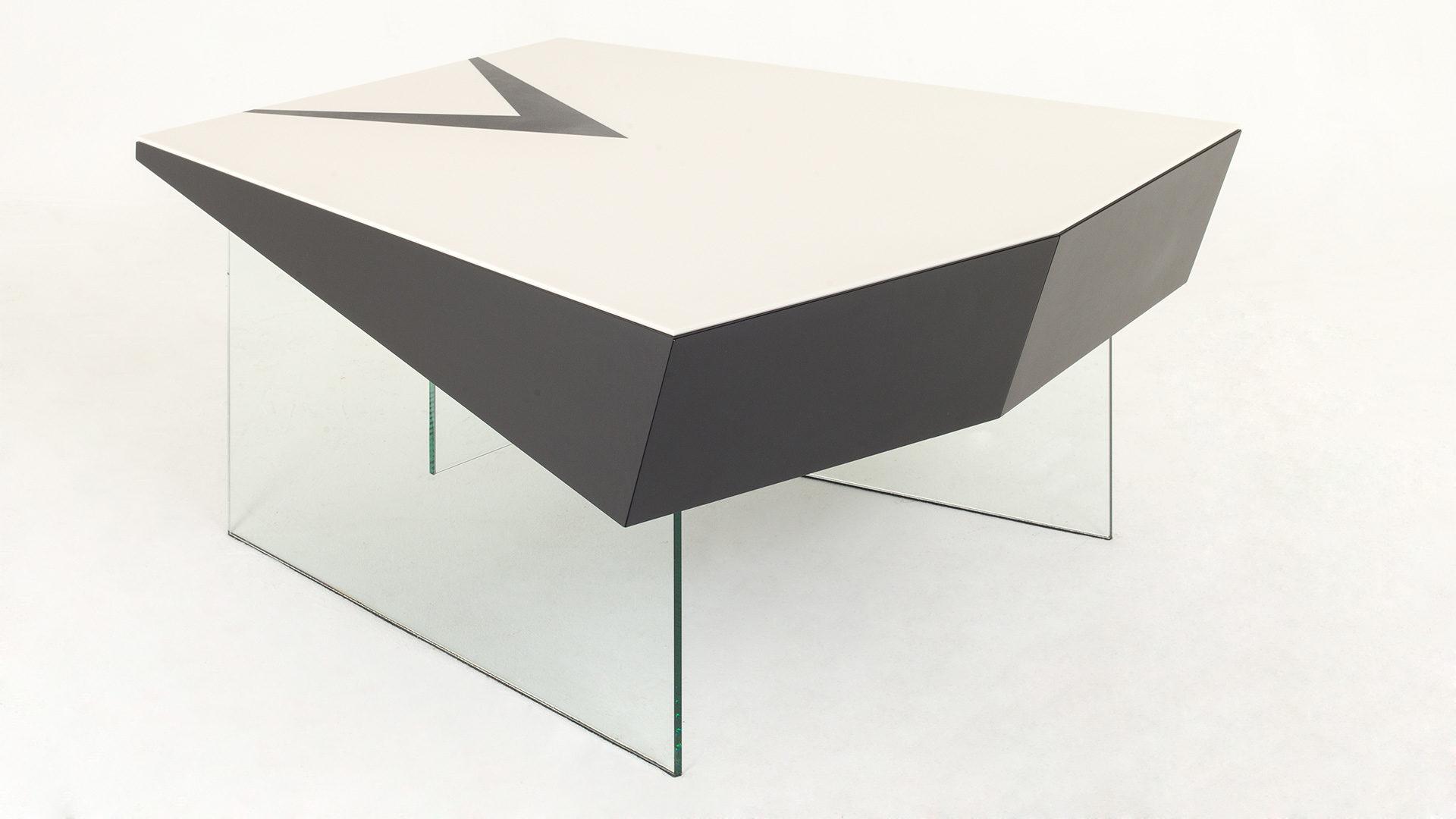 TABLE X3 COUCHTISCH JOHANNES GRASSER